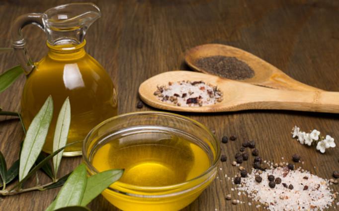 Olivenoel & Salz